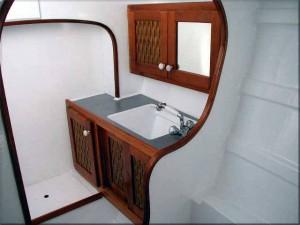 Interior 5 Tiki 46`
